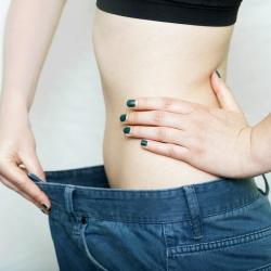 Miten ihon voi saada luonnollisin tavoin kiinteämmäksi laihtumisen jälkeen