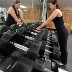 Vipunostot sivulle käsipainoilla - Vaikutus olkapäiden keskiosien lihakset